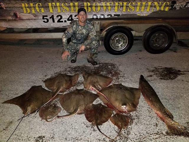 Texas-saltwater-bowfishing (11)